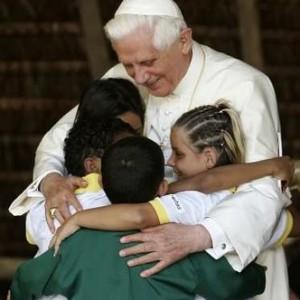 pope-benedict-with-children
