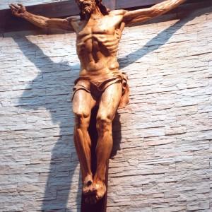 Cristo_crucificado_Rafael_Pi_Belda