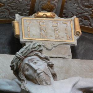Ellwangen_St_Vitus_Vorhalle_Kreuzaltar_detail2