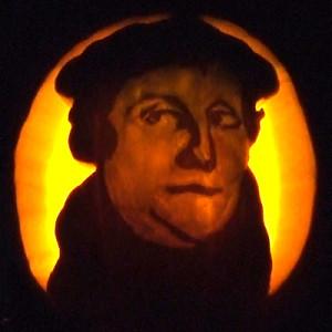 luther-pumpkin-dark